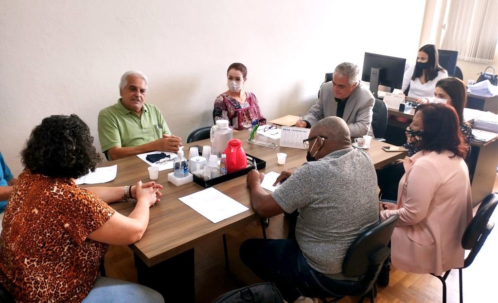 assembleia-reunida-na-sede-da-RIAAM-Minas